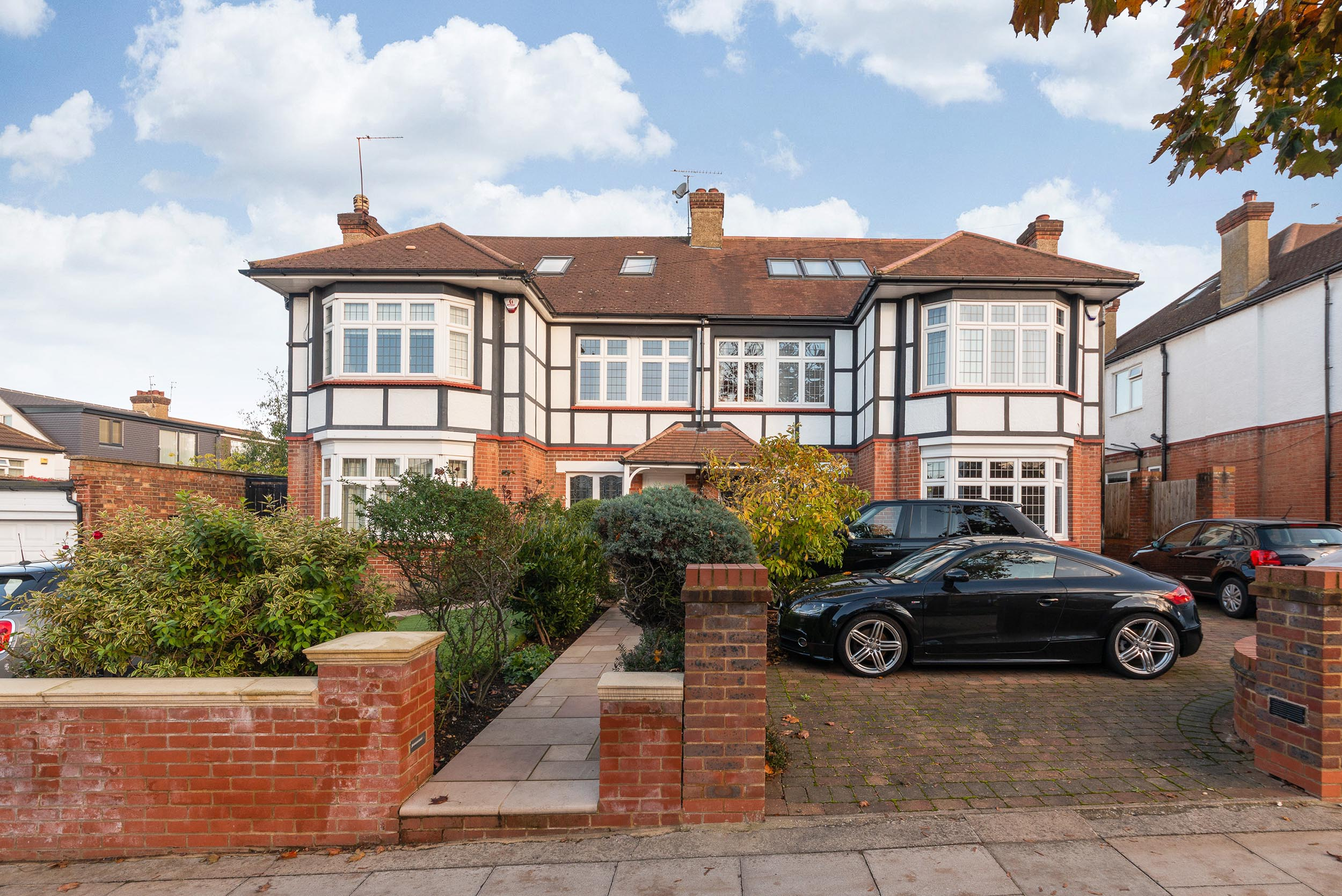 61-and-63-Wades-Hill-N21-1BD-Small-Res-20